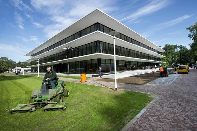 Het Grotiusgebouw, vlak na de opening. Foto: Bert Beelen