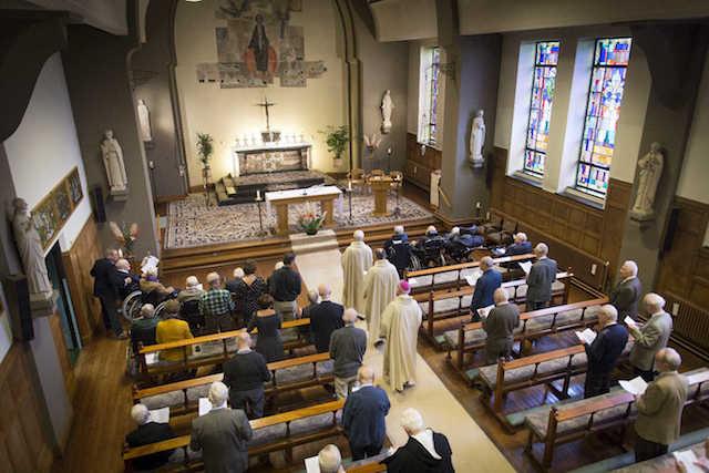 Mis in de kapel. Foto: Erik van 't Hullenaar